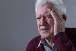old man, head pain, dizzy