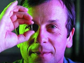 University of Reading's Professor of Cybernetics, Kevin Warwick heaps praise on the Google and Nasa funded Singularity University