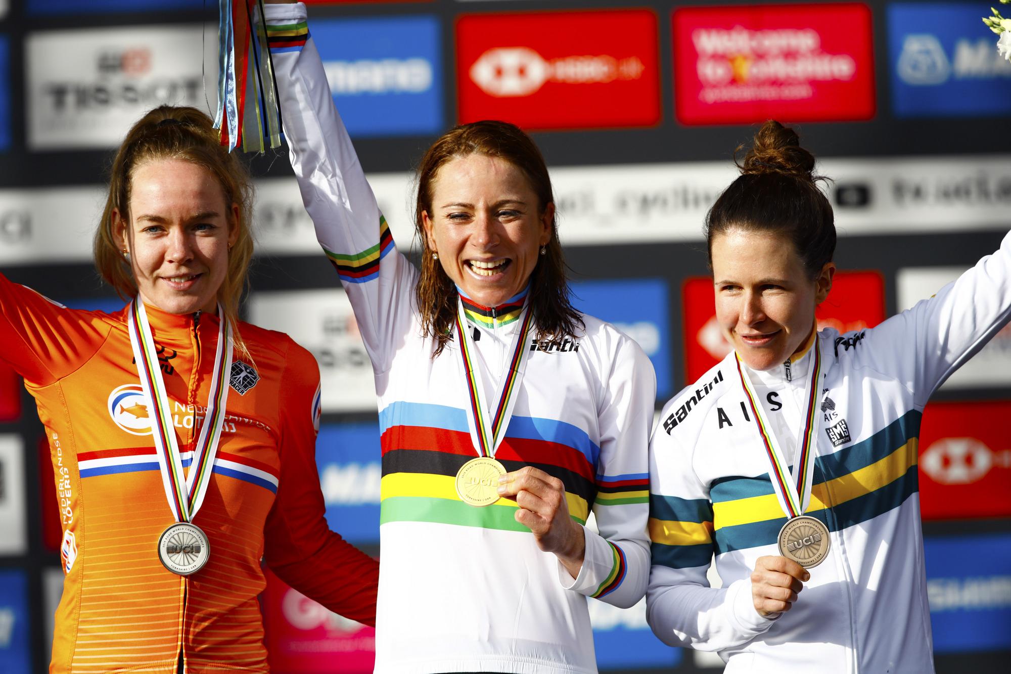 Annemiek van Vleuten (Netherlands) atop the podium with Anna van der Breggen and Amanda Spratt