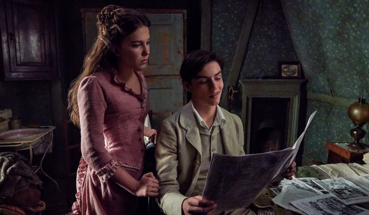 Enola Holmes and Lord Tewkesbury, played by Millie Bobby Brown and Louis Partridge