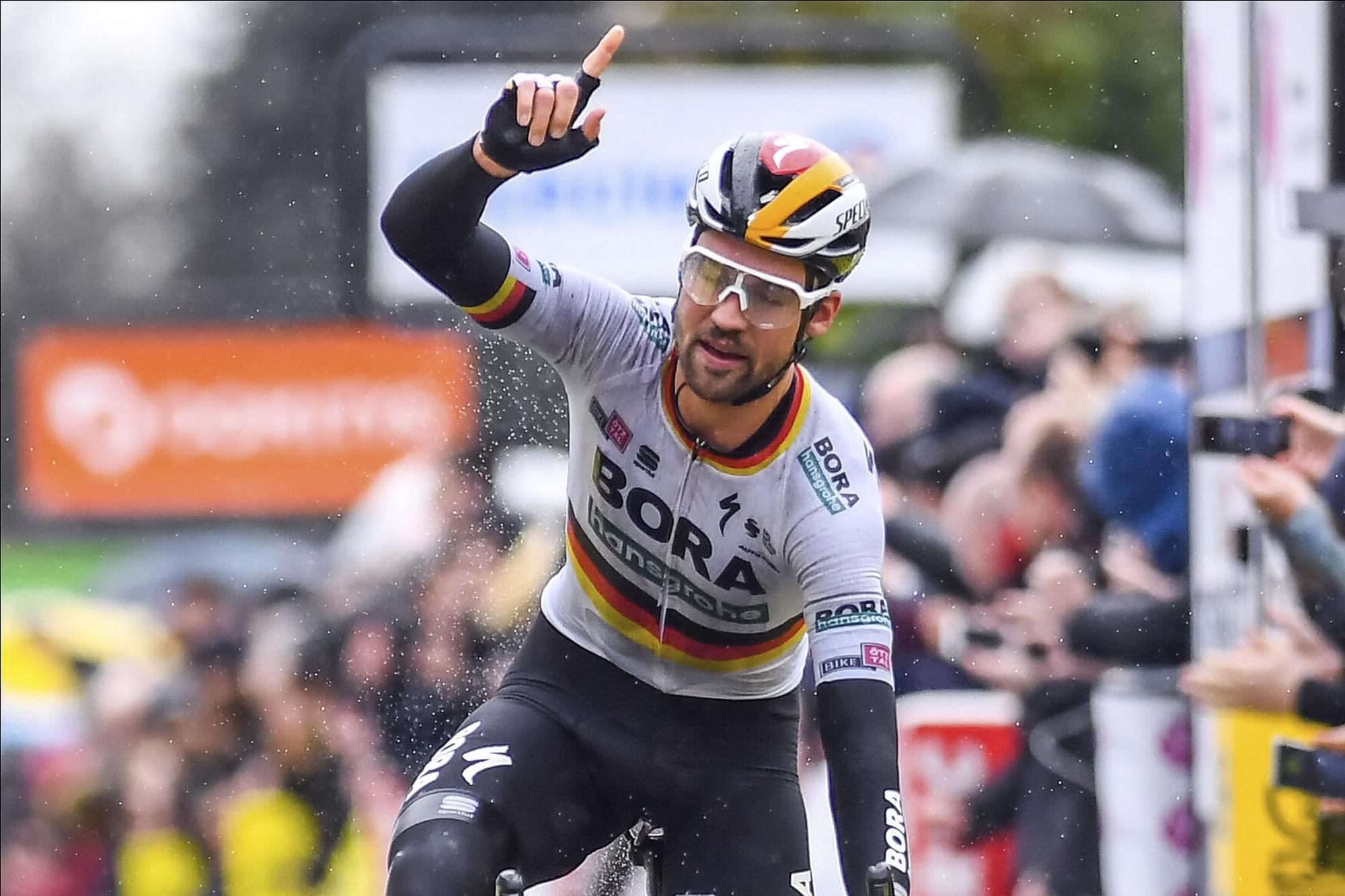 Max Schachmann wins stage 1 at Paris-Nice