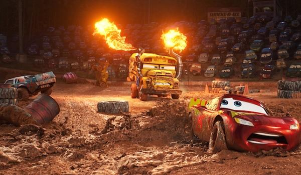 Cars 3 Lightning McQueen demolition derby