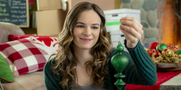 Christmas Joy Danielle Panabaker Hallmark Channel, Eike Schroter/Hallmark Crown Media