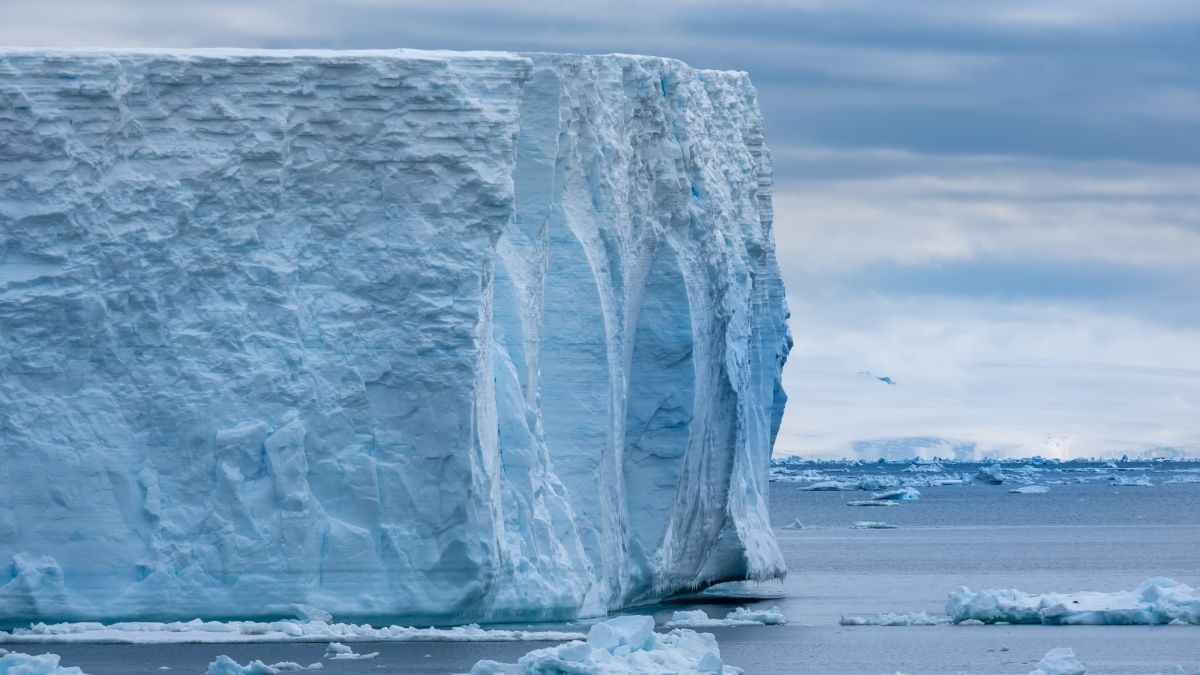 How a hidden ocean circulates beneath the Antarctic ice - Livescience.com