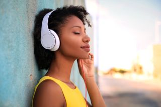 woman with headphones, headphones, music