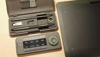 Xencelabs pen tablet review including the tablet, quick key remote and stylus plus case