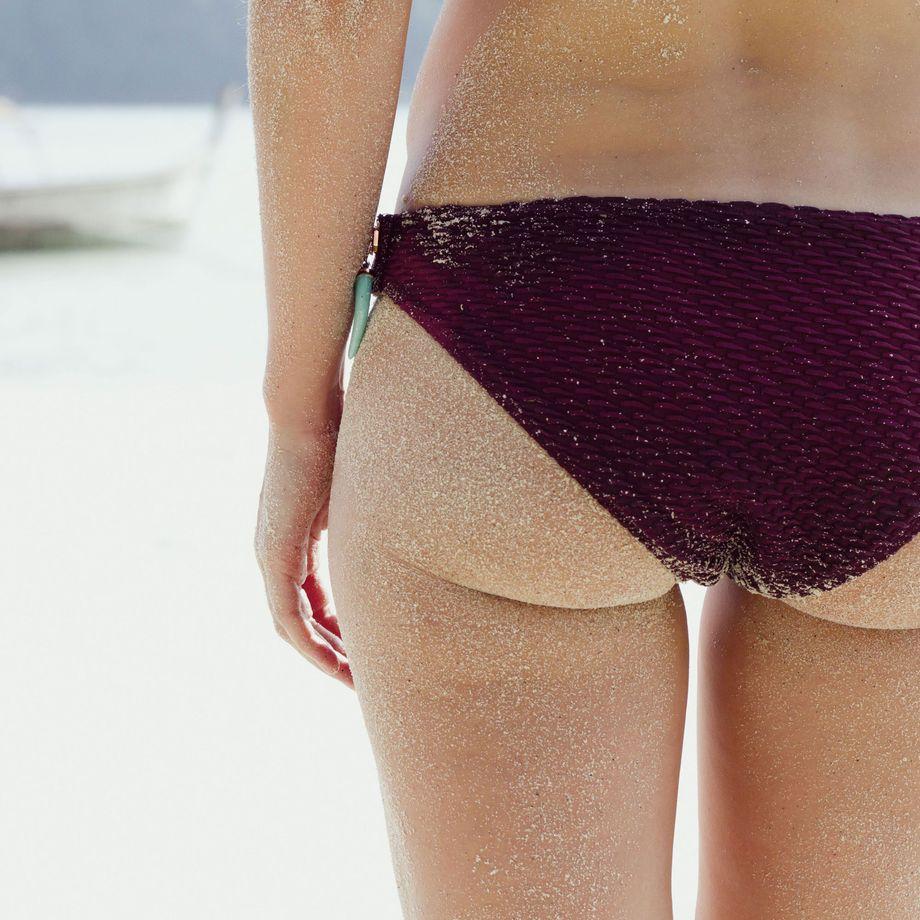 woman-in-bikini-on-beach-photo