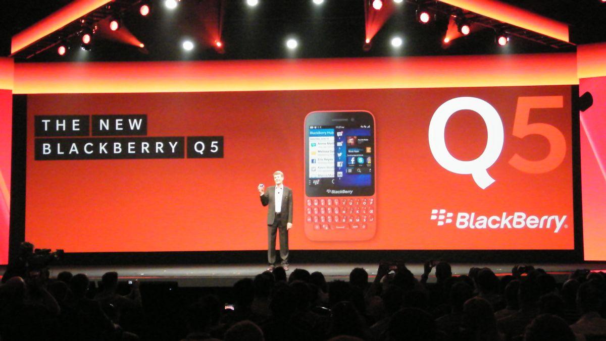 Is cross-platform BBM a bad idea for BlackBerry?