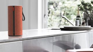 Airplay-friendly Libratone Zipp speaker is cute but pricey