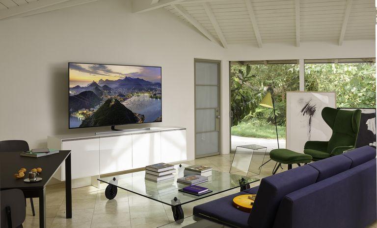 samsung soundbar and TV