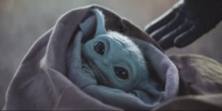 the mandalorian season 1 finale baby yoda punched screenshot