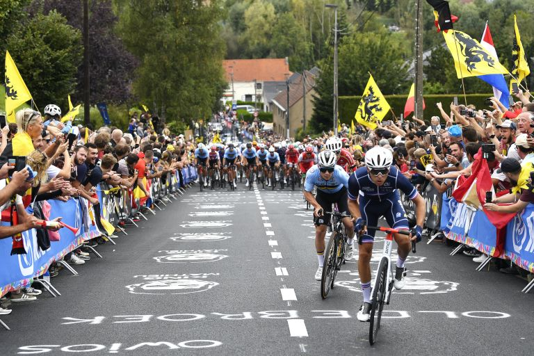 Benoit Cosnefroy attacks at the 2021 Road World Championships