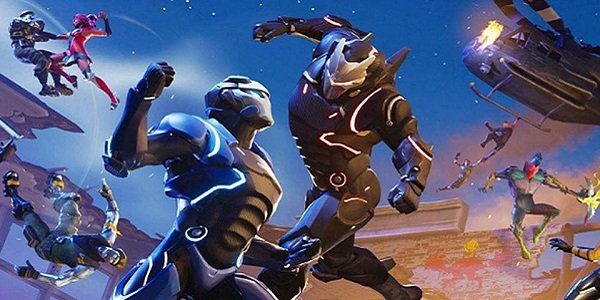 Characters duke it out in Fortnite.