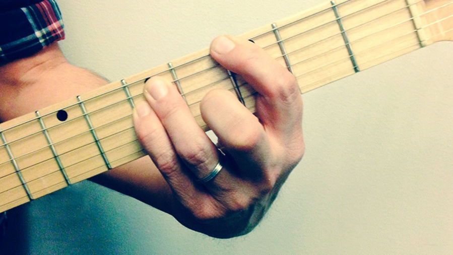 How to Develop Picking Control With Accented Scale Practice