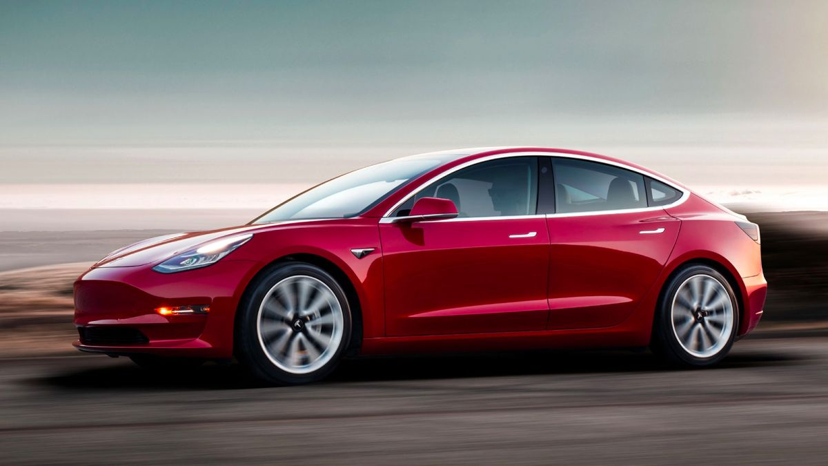 Maharashtra Government invites Tesla to set up a local plant