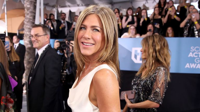 Jennifer Aniston attends the 26th Annual Screen ActorsGuild Awards at The Shrine Auditorium on January 19, 2020 in Los Angeles, California.
