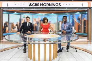 (From l.): Hosts Tony Dokoupil, Gayle King and Nate Burleson in the new CBS Mornings studio.