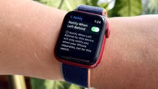 watchOS 8 Find My devices notify when left behind setting on Apple Watch