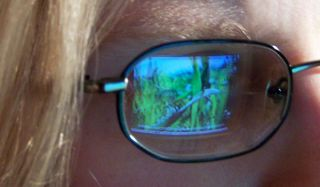 eye-computer-110330-02
