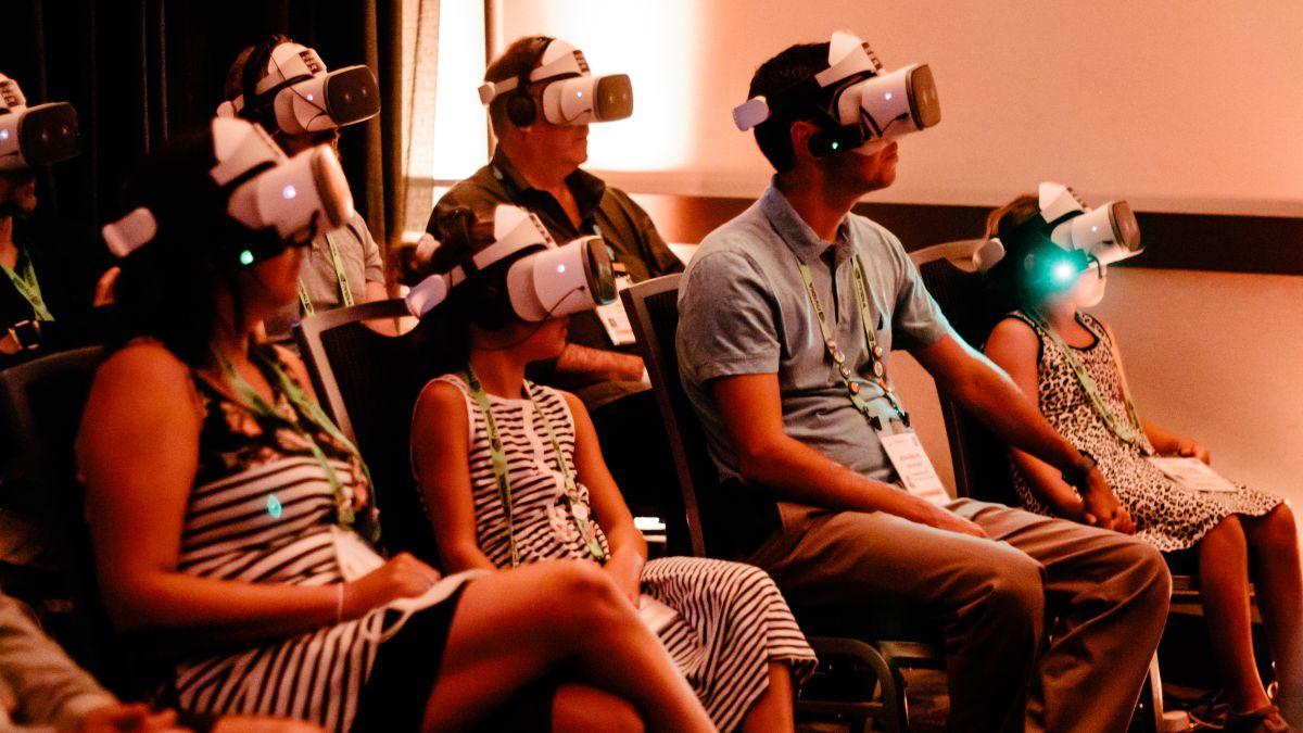 techradar.com - Catherine Ellis - Are shared experiences the future of virtual reality?