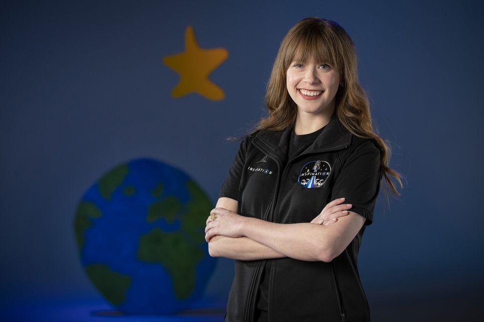Childhood bone cancer survivor joins private Inspiration4 spaceflight on SpaceX rocket