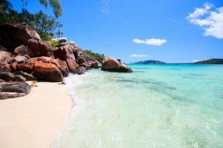 7-seychelles-beach-110420-02