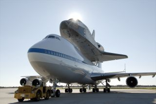 Endeavour on Boeing 747