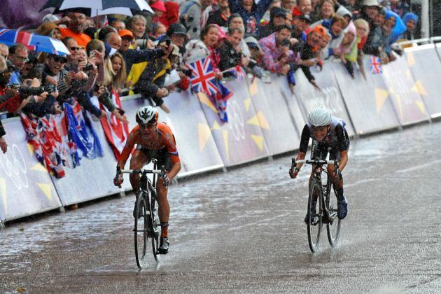 Vos and Armitstead sprint, London 2012 Olympics, women's road race