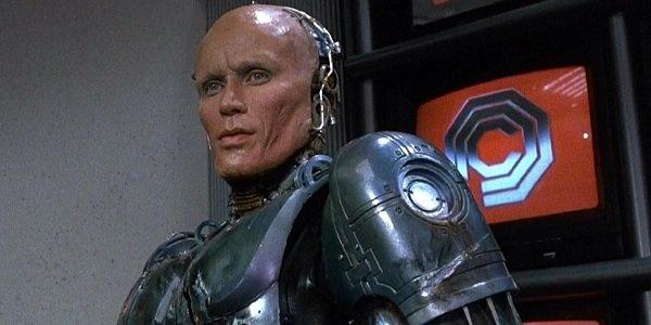 Robocop Peter Weller Murphy unmasked in the OCP boardroom