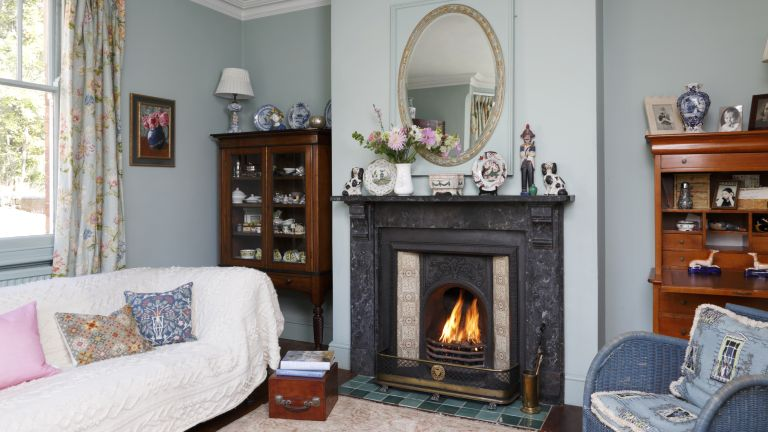 Fireplace with Victorian fire surround