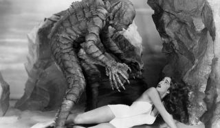 Creature From The Black Lagoon scaring lady