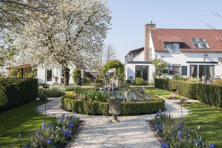 Dutch farmhouse renovation: pustjens Netherlands farmhouse renovation Joyce Vloet/Cocofeatures.com