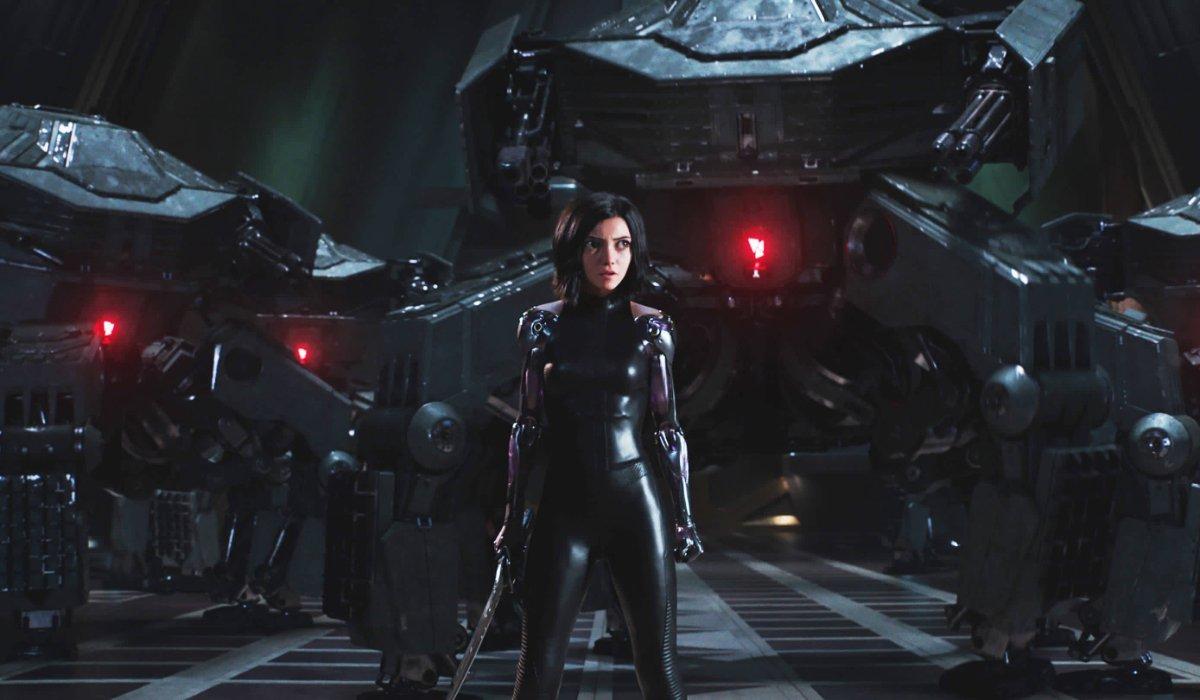 Alita: Battle Angel Alita ready to fight security bots