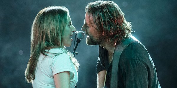 Lady Gaga and Bradley Cooper singing live in Star is Born