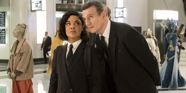 Men In Black International Agent M glaring at Agent T standing behind her