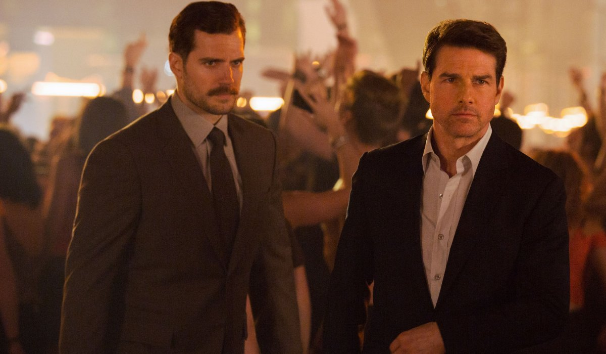 Mission: Impossible - Fallout Henry Cavill and Tom Cruise mingle in a crowded nightclub