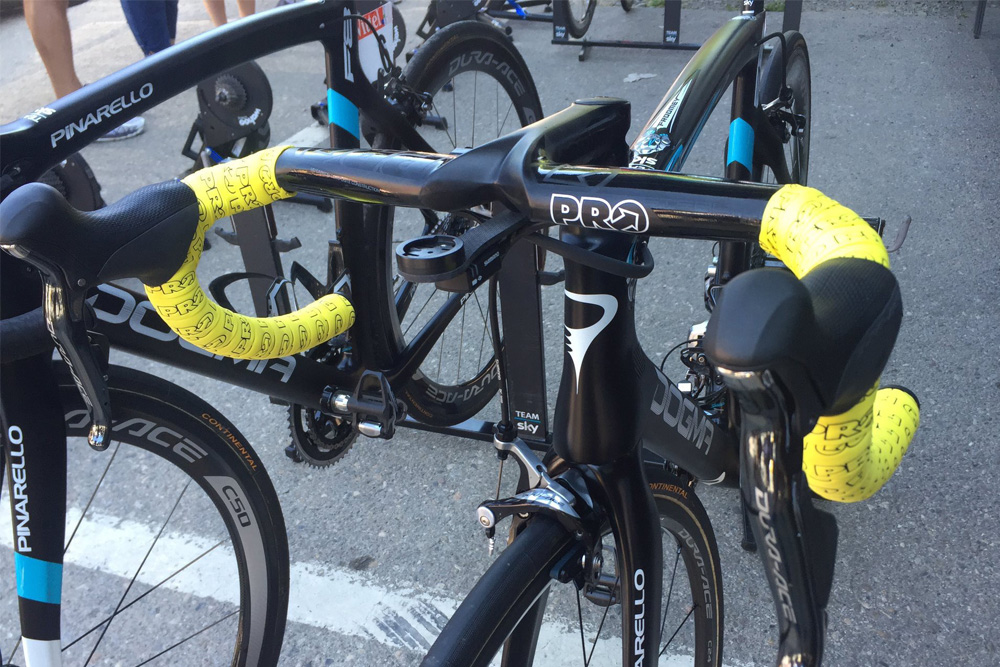 Chris Froome S Bike Gets Its First Yellow Touches Of The 2016 Tour