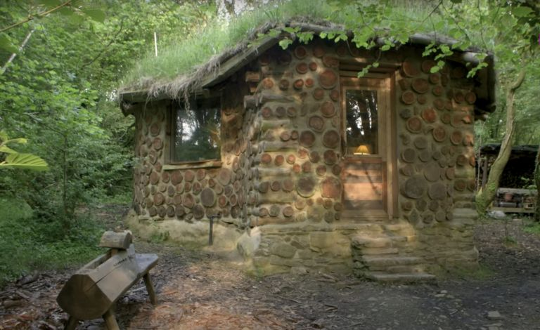 Hobbit house in Welsh woodland