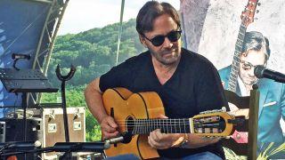 Al Di Meola playing Scharpach La Porta flamenco guitar