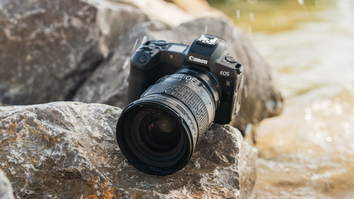 The Irix 30mm f/1.4 gives photographers the cinematic look of cine lenses