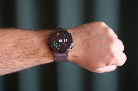 Huawei Watch GT 2 Pro på arm.