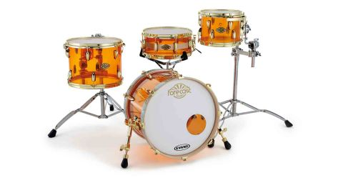The bass drum is made from 8mm-thick acrylic, while the toms and snare are 6mm thick