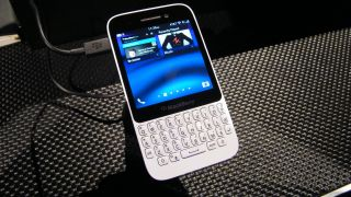 BlackBerry Q5 release date and price: who's on board?