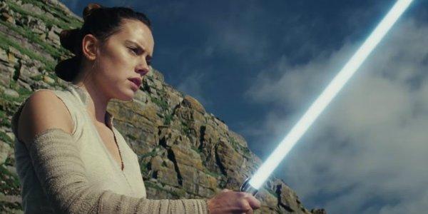 Daisy Ridley Rey The Last Jedi Lightsaber