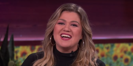 Kelly Clarkson Gets Candid About How To Handle Awkward Family Conversations Around The Holidays