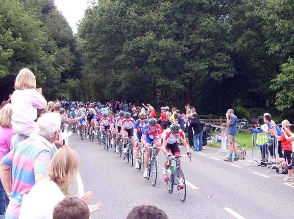 Bunch in Headley on first lap of Box Hill, London-Surrey Cycle Classic 2011