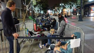 iPhone 5S launch line Santa Monica