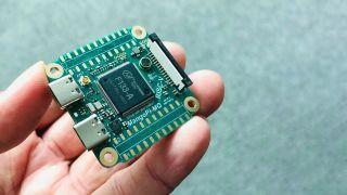 MangoPi's tiny D1s board