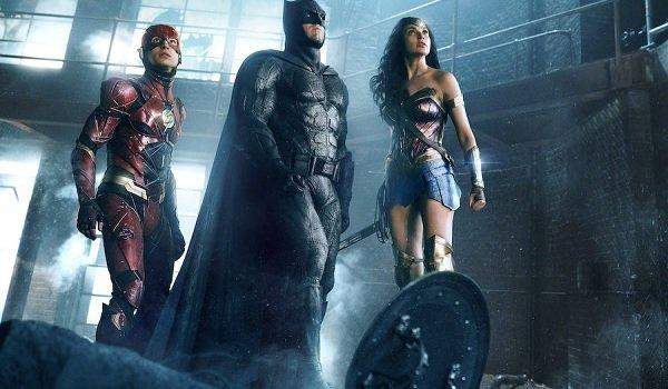 Justice League Flash Batman Wonder Woman looking up danger