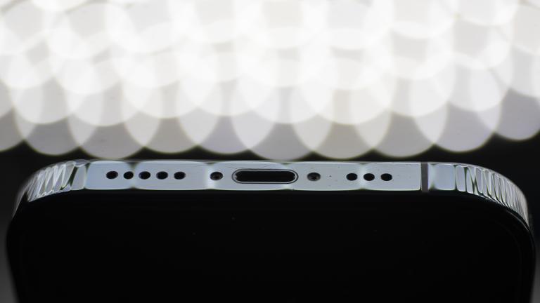 iPhone 12 Pro charging port